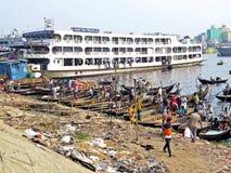 Πορθμεία στο λιμένα Dhaka, ποταμός Buriganga, Dhaka, Μπανγκλαντές στοκ εικόνα με δικαίωμα ελεύθερης χρήσης