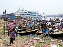 Πορθμεία στο λιμένα Dhaka, ποταμός Buriganga, Sadarghat, Dhaka, Μπανγκλαντές στοκ φωτογραφίες