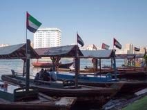 Πορθμεία Abra στον κολπίσκο του Ντουμπάι στοκ εικόνες