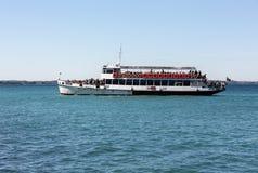 Πορθμείο στη λίμνη Garda Η λίμνη Garda είναι μια από τις συχνασμένες περιοχές τουριστών της Ιταλίας στοκ φωτογραφία με δικαίωμα ελεύθερης χρήσης