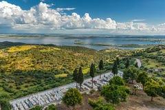 Πορτογαλία, Monsaraz Άποψη από τους τοίχους φρουρίων στην Ισπανία Στοκ Εικόνα