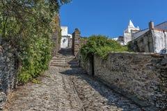 Πορτογαλία, Monsaraz Όλο το πεζοδρόμιο κτηρίων και οδών που γίνεται Στοκ εικόνα με δικαίωμα ελεύθερης χρήσης