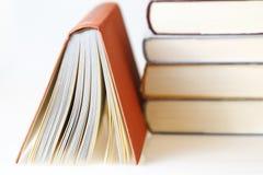 πορτοκάλι βιβλίων Στοκ εικόνες με δικαίωμα ελεύθερης χρήσης