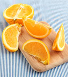 πορτοκάλι καρπού που τεμαχίζεται Στοκ Εικόνες