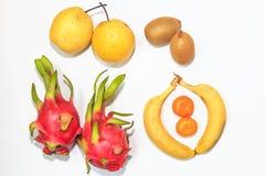 Πορτοκάλια και αχλάδια ακτινίδιων pitaya μπανανών Στοκ φωτογραφία με δικαίωμα ελεύθερης χρήσης