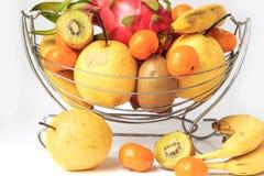 Πορτοκάλια και αχλάδια ακτινίδιων pitaya μπανανών Στοκ εικόνα με δικαίωμα ελεύθερης χρήσης