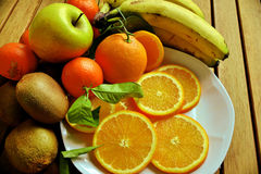 Πορτοκάλια, μπανάνες, ακτινίδιο, Στοκ Εικόνα