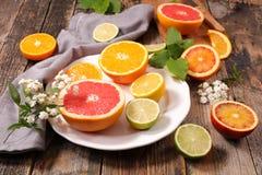 Πορτοκάλι, λεμόνι και γκρέιπφρουτ Στοκ εικόνες με δικαίωμα ελεύθερης χρήσης