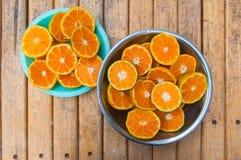 πορτοκάλι καρπού που τεμ στοκ εικόνα με δικαίωμα ελεύθερης χρήσης