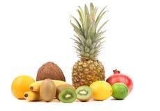 Πορτοκάλι καρύδων μπανανών ακτινίδιων λεμονιών Pineaplle. Στοκ Φωτογραφίες
