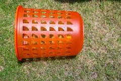 Πορτοκάλι καλαθιών πλυντηρίων Στοκ φωτογραφία με δικαίωμα ελεύθερης χρήσης