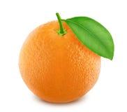 Πορτοκάλι με το φύλλο που απομονώνεται στο άσπρο υπόβαθρο Στοκ φωτογραφίες με δικαίωμα ελεύθερης χρήσης