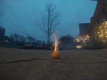 Πορτοκάλι με firecracker Στοκ φωτογραφίες με δικαίωμα ελεύθερης χρήσης