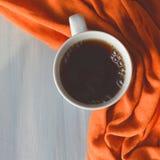Πορτοκαλί γκρίζο υπόβαθρο κουπών υφάσματος άσπρο στοκ φωτογραφία με δικαίωμα ελεύθερης χρήσης
