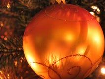 Πορτοκαλί δέντρο σφαιρών Χριστουγέννων Στοκ φωτογραφία με δικαίωμα ελεύθερης χρήσης