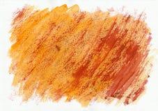 Πορτοκαλί και κόκκινο οριζόντιο συρμένο χέρι υπόβαθρο watercolor Όμορφα διαγώνια σκληρά κτυπήματα της βούρτσας χρωμάτων στοκ φωτογραφία