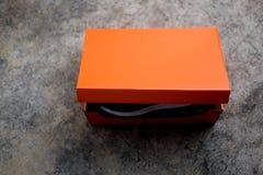 Πορτοκαλί κιβώτιο παπουτσιών εγγράφου στοκ φωτογραφίες