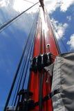 πορτοκαλί sailboat ιστών Στοκ εικόνα με δικαίωμα ελεύθερης χρήσης
