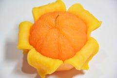 Πορτοκαλιά κεριά - πορτοκαλιά, αναμμένα, πορτοκαλιά κεριά Στοκ εικόνα με δικαίωμα ελεύθερης χρήσης