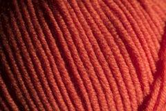 Πορτοκαλιά μακρο κινηματογράφηση σε πρώτο πλάνο σφαιρών νημάτων μαλλιού Στοκ Φωτογραφίες