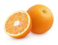 Πορτοκαλί εσπεριδοειδές με κατά το ήμισυ απομονωμένος στο λευκό Στοκ Εικόνες