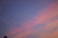 Πορτοκαλί φως βραδιού ηλιοβασιλέματος το χειμώνα Στοκ εικόνα με δικαίωμα ελεύθερης χρήσης