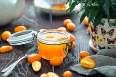 Πορτοκαλιά ζελατίνα εσπεριδοειδών στο βάζο Στοκ φωτογραφία με δικαίωμα ελεύθερης χρήσης