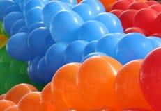 Πορτοκαλιά, μπλε και κόκκινα μπαλόνια Στοκ φωτογραφία με δικαίωμα ελεύθερης χρήσης