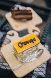 Πορτοκαλιά mousse κέικ στοκ εικόνα