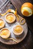 Πορτοκαλιά zesty σπιτικά tarts στοκ εικόνες