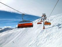 Πορτοκαλιοί βολβοί chair-lift Στοκ φωτογραφία με δικαίωμα ελεύθερης χρήσης