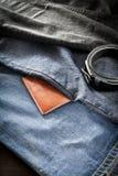 πορτοφόλι ατόμων s τζιν ζωνών Στοκ Εικόνες