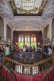 ΠΟΡΤΟ, ΠΟΡΤΟΓΑΛΙΑΣ - 04 ΙΟΥΛΙΟΥ: Άνθρωποι που επισκέπτονται το διάσημο βιβλιοπωλείο Στοκ φωτογραφία με δικαίωμα ελεύθερης χρήσης