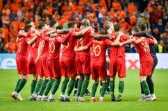 """ΠΟΡΤΟ, PORTUGLAL - 9 Ιουνίου 2019: Οι σύντροφοι ομάδων της Πορτογαλίας \ """"s γιορτάζουν τη νίκη τελικού ένωσης εθνών UEFA μετά από στοκ φωτογραφία με δικαίωμα ελεύθερης χρήσης"""