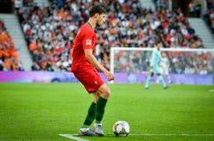 ΠΟΡΤΟ, PORTUGLAL - 9 Ιουνίου 2019: Ποδοσφαιριστής κατά τη διάρκεια του αγώνα τελικών ένωσης εθνών UEFA μεταξύ της εθνικής ομάδας  στοκ εικόνα