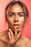 Πορτρέτο γοητείας της αισθησιακής γυναίκας Στοκ εικόνες με δικαίωμα ελεύθερης χρήσης