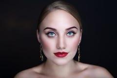 Πορτρέτο γυναικών πολυτέλειας Στοκ φωτογραφίες με δικαίωμα ελεύθερης χρήσης