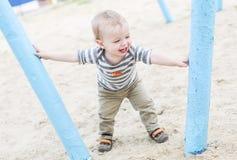Πορτρέτο ενός ευτυχούς παιδιού μικρών παιδιών Στοκ Φωτογραφίες