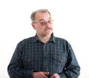 Πορτρέτο ενός ηληκιωμένου με τα γυαλιά στοκ φωτογραφία