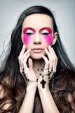 Πορτρέτο ενός κοριτσιού με το φωτεινό makeup Στοκ Φωτογραφίες
