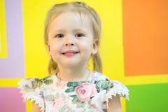 Πορτρέτο ενός κοριτσιού τριάχρονων παιδιών Στοκ φωτογραφία με δικαίωμα ελεύθερης χρήσης