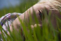 Πορτρέτο ενός νέου κοριτσιού Στοκ εικόνες με δικαίωμα ελεύθερης χρήσης