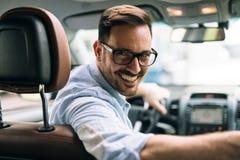 Πορτρέτο ενός οδηγώντας αυτοκινήτου επιχειρηματιών Στοκ Εικόνα