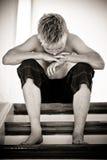 Πορτρέτο ενός σοβαρού κοιτάζοντας αγοριού Στοκ φωτογραφία με δικαίωμα ελεύθερης χρήσης