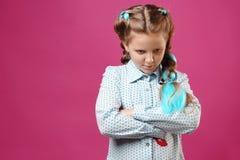 Πορτρέτο ενός συναισθηματικού κοριτσιού στοκ φωτογραφίες