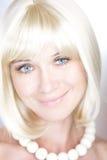 Πορτρέτο ενός χαμογελώντας κοριτσιού Στοκ Φωτογραφίες
