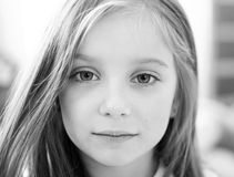 Πορτρέτο ενός χαριτωμένου κοριτσιού liitle Στοκ Εικόνες