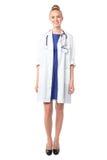 Πορτρέτο ενός όμορφου θηλυκού γιατρού Στοκ φωτογραφία με δικαίωμα ελεύθερης χρήσης