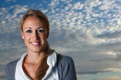 Κορίτσι στον ουρανό Στοκ φωτογραφία με δικαίωμα ελεύθερης χρήσης