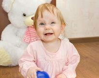 Πορτρέτο ενός όμορφου ξανθού παιδιού στοκ εικόνες με δικαίωμα ελεύθερης χρήσης